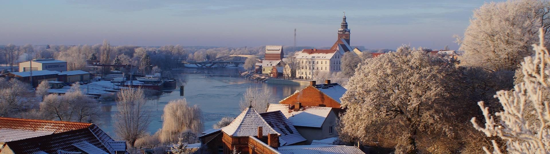 Winter Werft Brücke Kirche