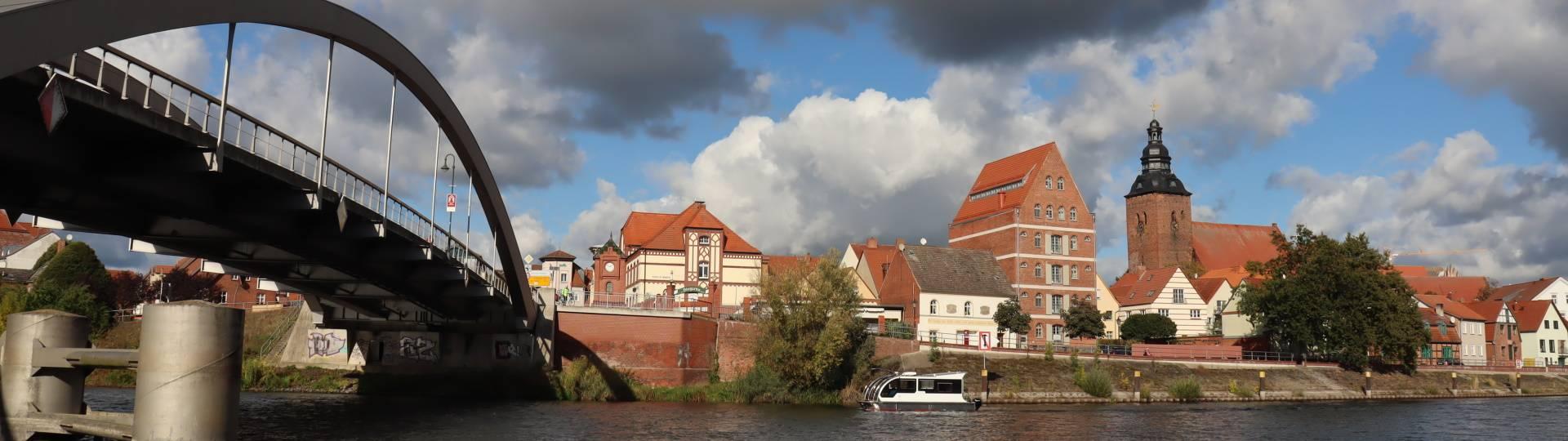 den herbstwolken davon schippern ©Hansestadt Havelberg