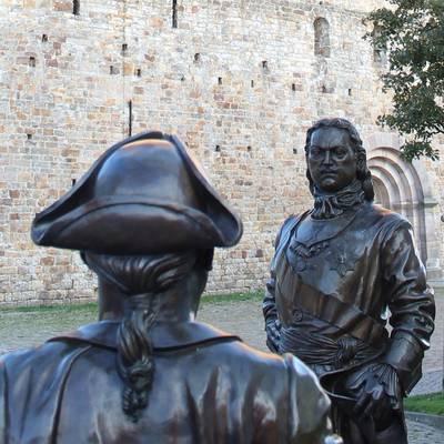 Bronzefiguren auf dem Domplatz ©Hansestadt Havelberg