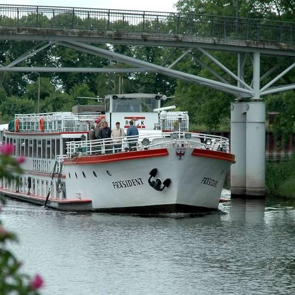 """MS """"Präsident"""" der Reederei Kaiser"""